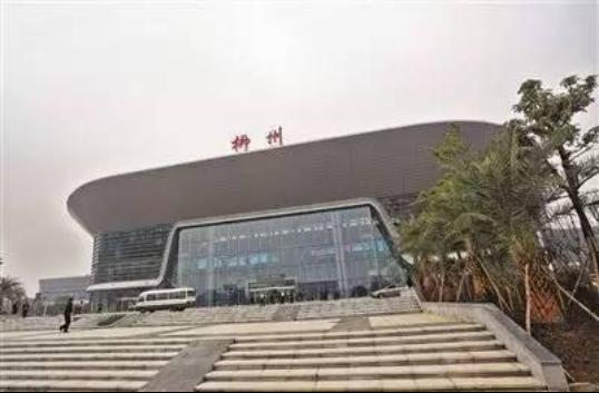 昆明长水机场、柳州白莲机场分别莅临毕节航院校招