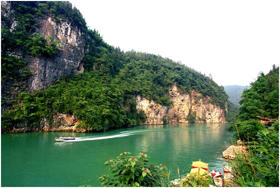 暗洞、瀑布、双彩虹……涪陵御泉河给你这个夏天最刺激的漂流!