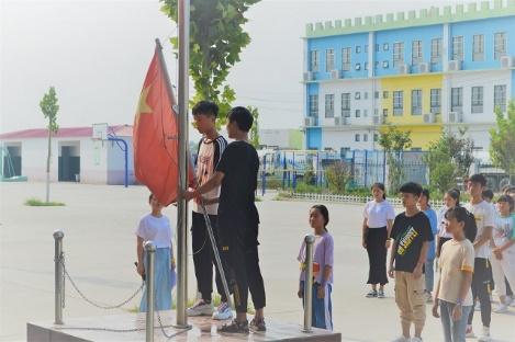 南工伯藜暑期支教團在示范區五中開展校園趣味運動會