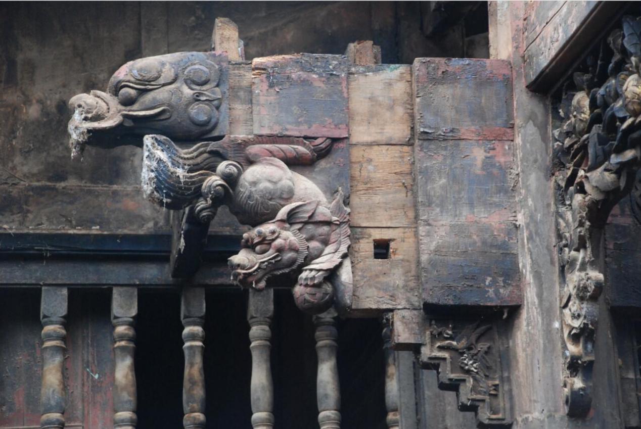 龙头街古建筑里的木雕